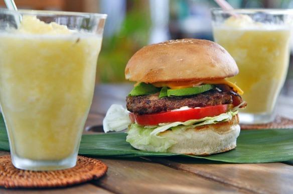 cheeseburger-820193_640