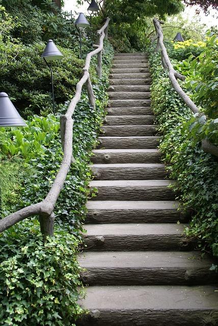 stairway-269321_640